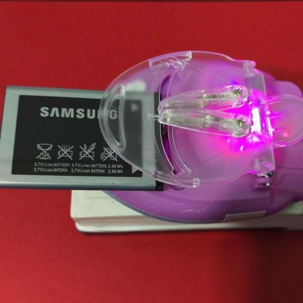 Thiết bị Sạc Kẹp Pin Đa Năng,Sạc được Cho tất cả các dòng Pin SMARTPHONE