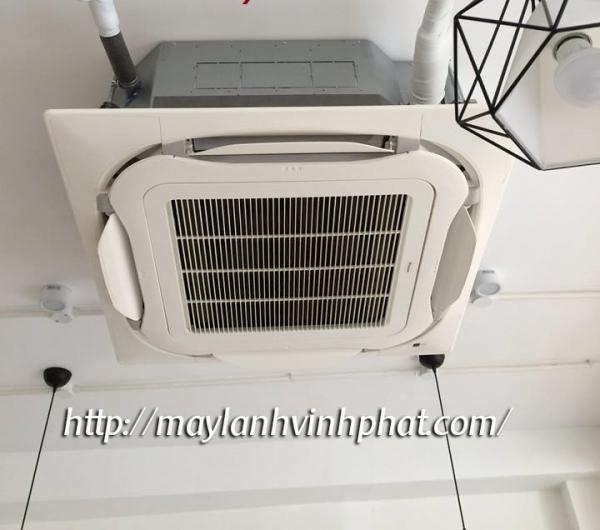 Lắp Máy lạnh âm trần Toshiba 2HP chất lượng bền + mẫu mã đẹp
